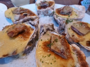 Myrons-OystersFoieGras